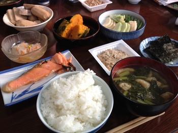 実家の朝ご飯.jpg