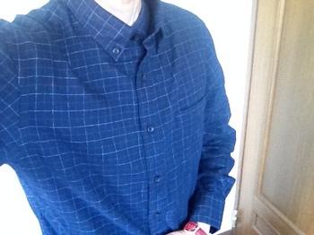 ユニクロで買ったシャツ.jpg