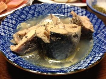 一昨日の夕飯鯖の水煮.JPG
