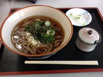 長寿館 山菜そば1.jpg